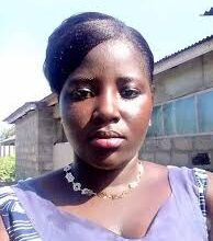 Photo of Woman stabs boyfriend to death over alleged cheating