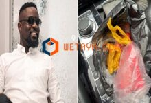 "Photo of Sarkodie teases FanYogo over their ""air-filled"" meat pie"