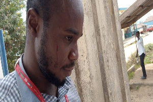 Photo of WASSCE 2020: Students clash with invigilators and attack reporter with knives, sticks and stones leaving him injured